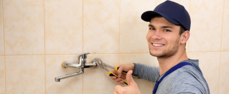 Local Sydney Plumber Fixing A Shower Water Leak